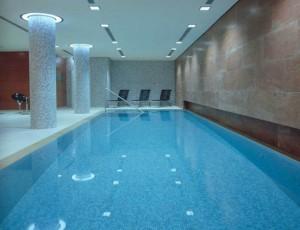 Pool Radsisson Blu Berlin