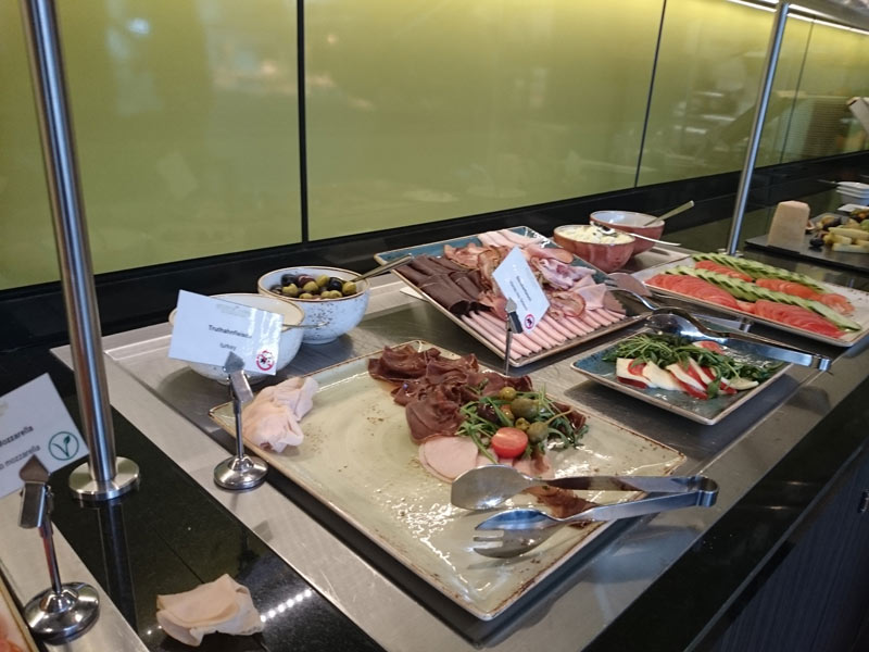 Frühstückbuffet-1
