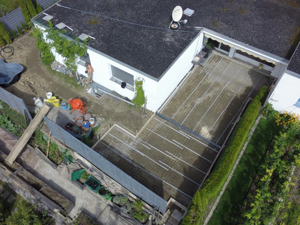 Sicht von oben auf die Terrasse[