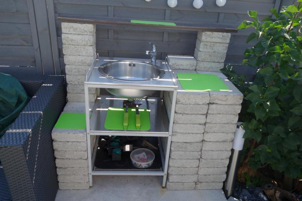 Waschtisch von Ikea umgebaut im Sommer